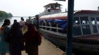 Fort_Cochin_Ferry.jpg