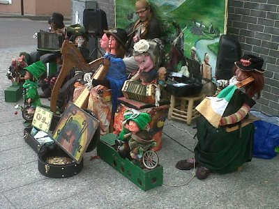 We had seen this fascinating musician with his troupe of moving puppets at Midleton, Co Cork before.