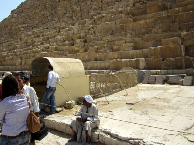 The subterranean entrance to the middle pyramd.