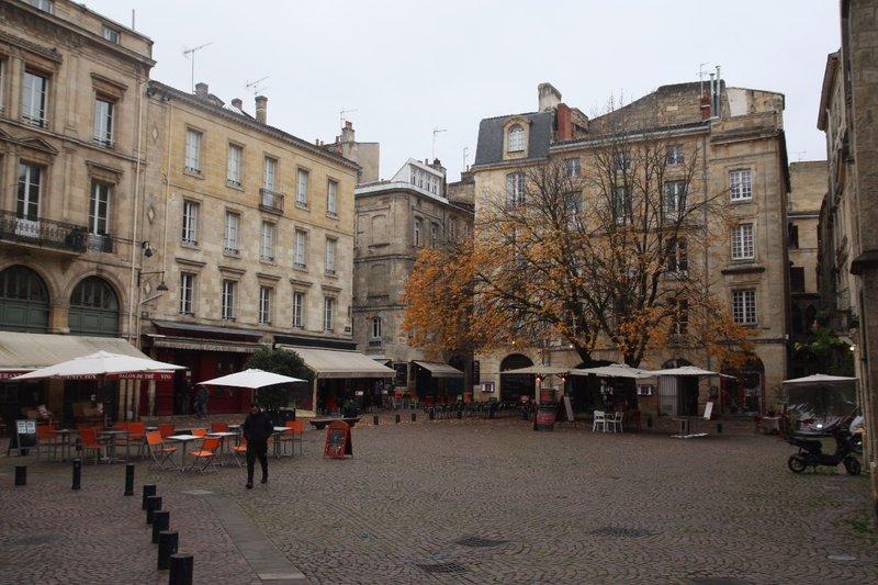 Saint-Pierre Square