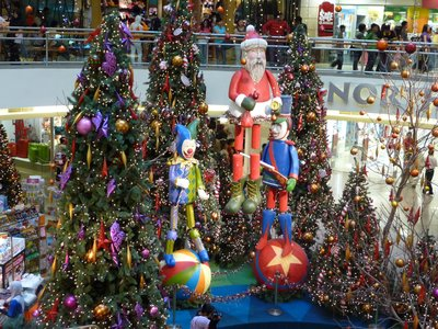 Midvalley North Court X'mas tree