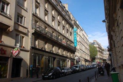 FRA111_Vin..__Paris.jpg
