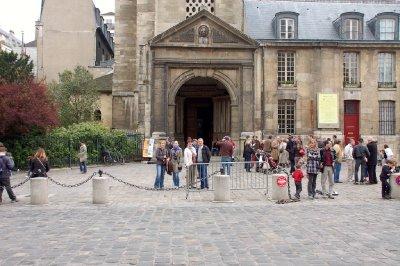 FRA217_Man..__Paris.jpg
