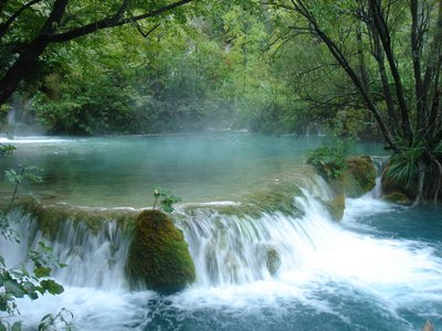 plitvice waterfall 2