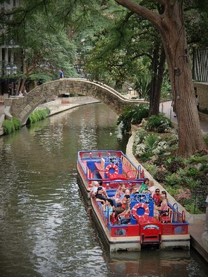 Riverwalk cruise