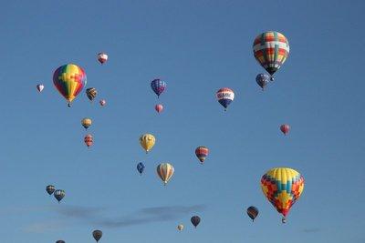 hundreds_of_balloons.jpg