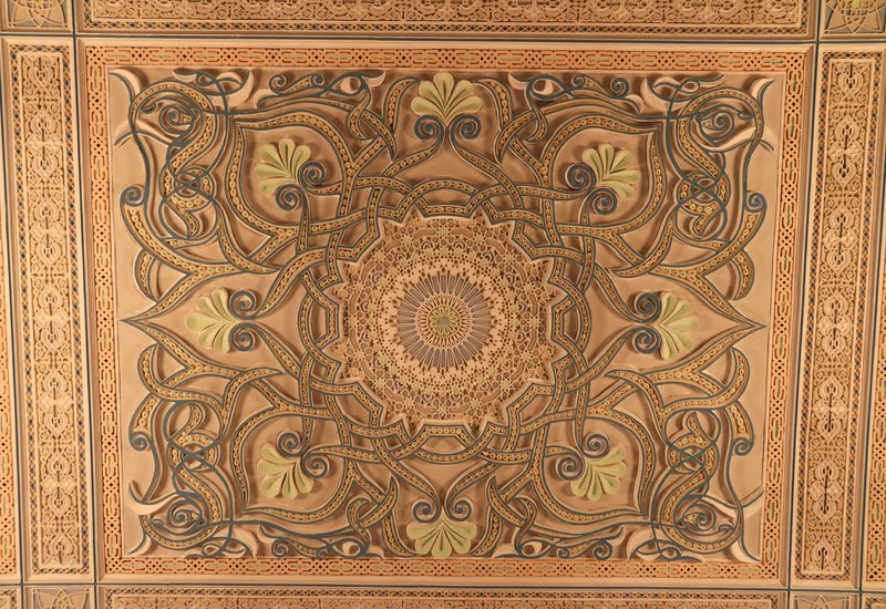 large_Grand_Mosque_room_ceiling.jpg