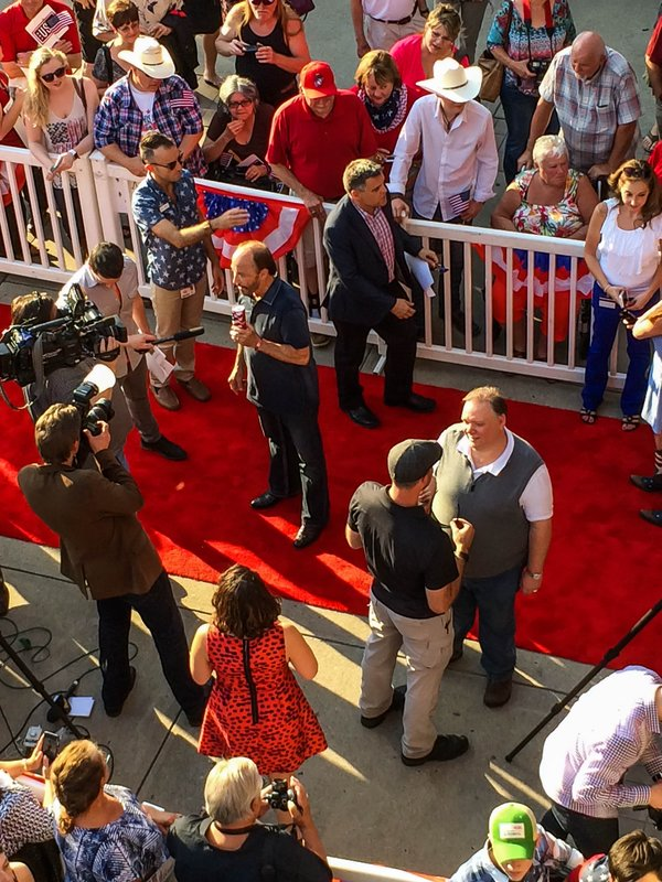 large_Lee_Greenw.._red_carpet.jpg