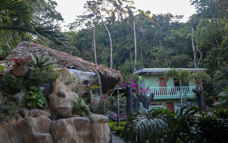 large_Santa_Elena_hostel_resort.jpg