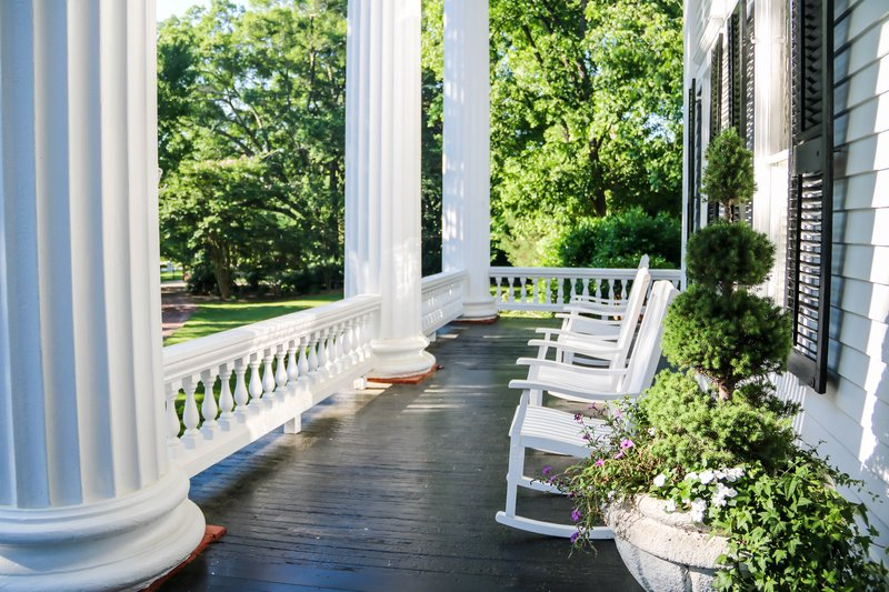 large_beautiful_porch__1_of_1_.jpg