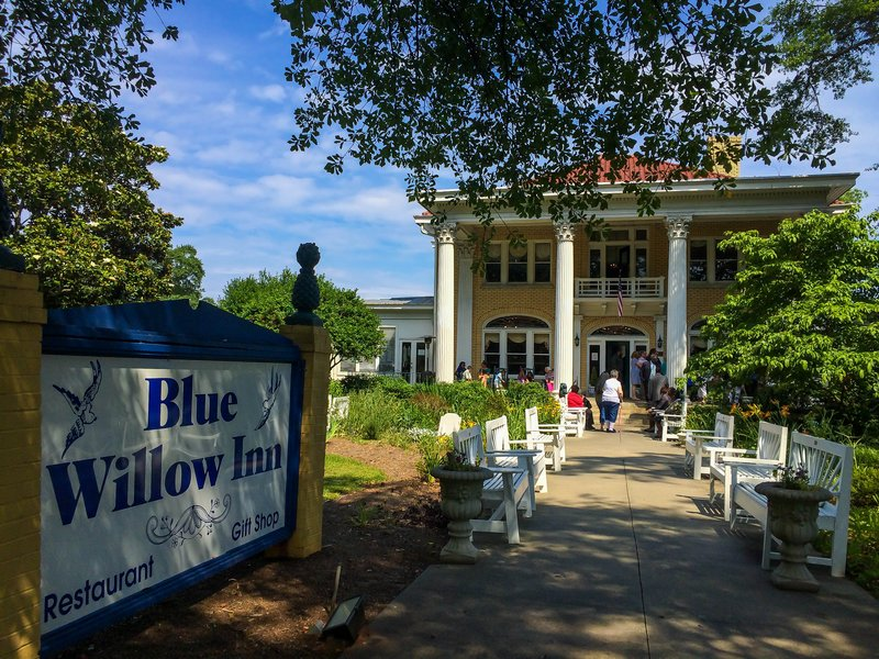 large_blue_willow_inn__1_of_1_.jpg