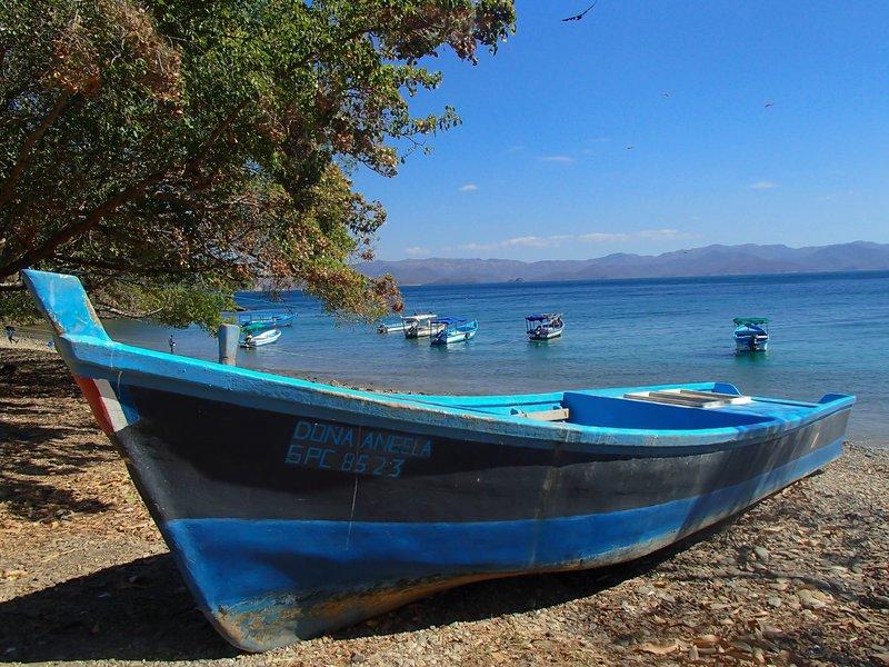 large_boats_on_the_public_beach.jpg