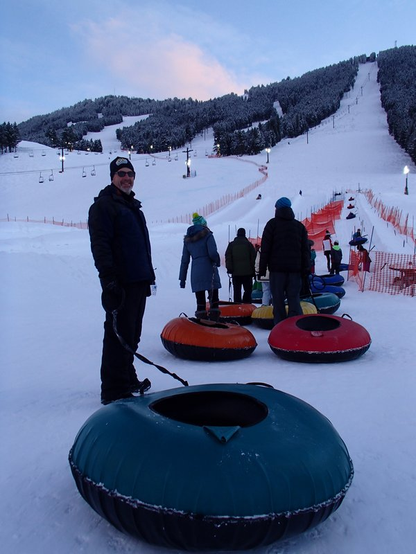 large_waiting_in_th_tubing_line.jpg