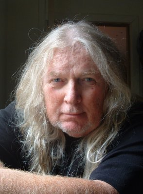 AUTHOR long hair lumsden