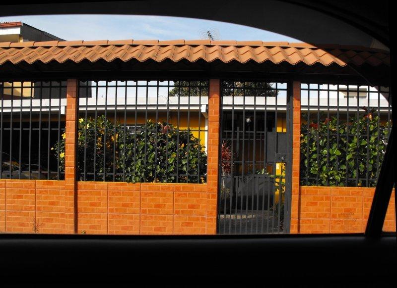 GUNS and GATES house 02
