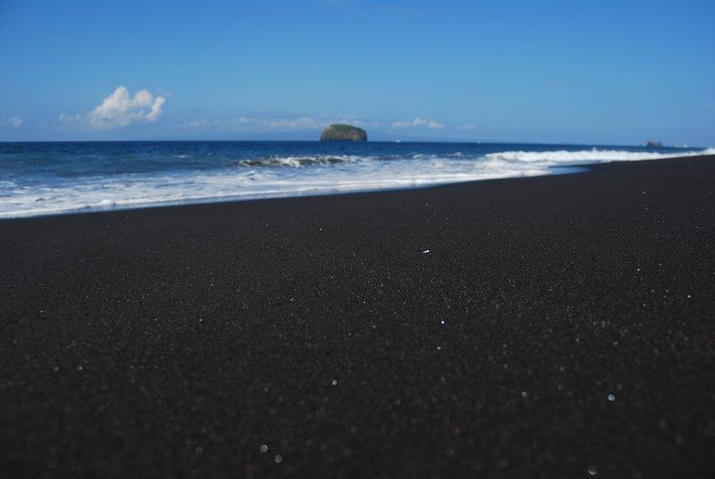 Wat ze noemen een zwart strand