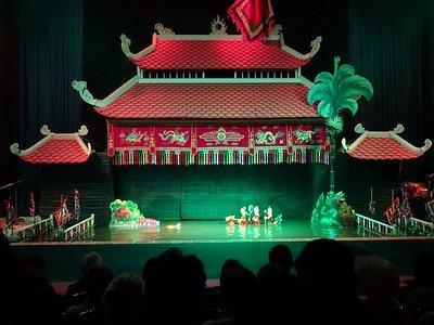 1_14233392..puppet-show.jpg