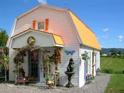 The craft shop in l'Anse-Saint-Jean.