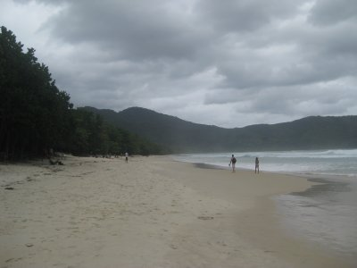 Praia de Lopes Mendez - supposedly the most beautiful beach in Brasil - hard to tell with all the clouds!