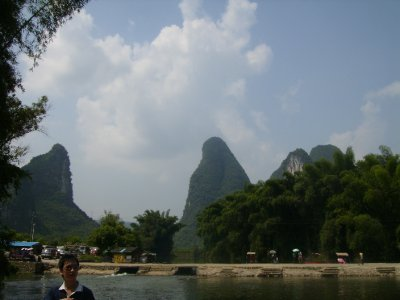 863 China Yangshuo - view at the Big Banyan tree