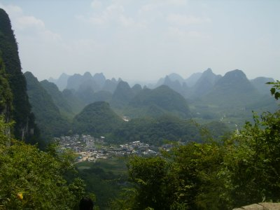 872 China Yangshuo - moon hill
