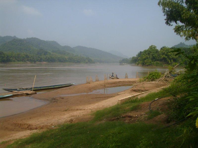 1099 Laos Luang Pra Bang - The Mekong