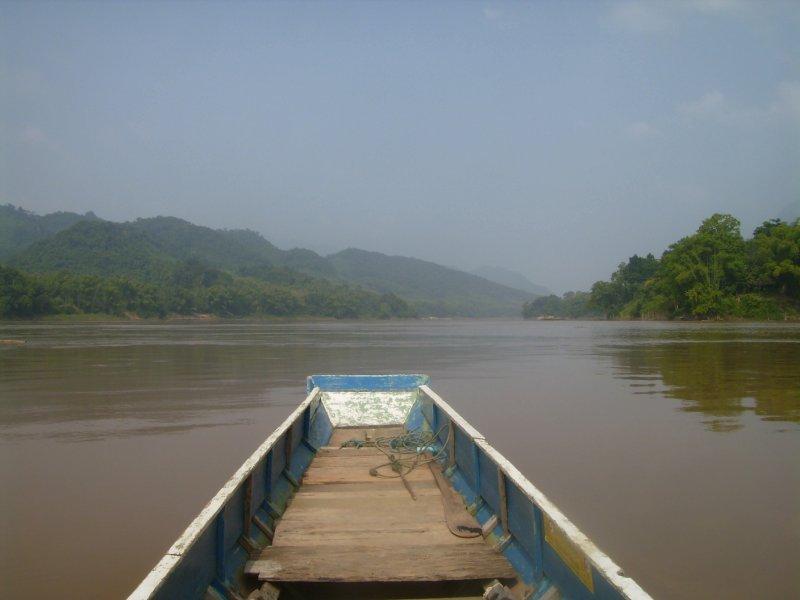 1100 Laos Luang Pra Bang - The Mekong