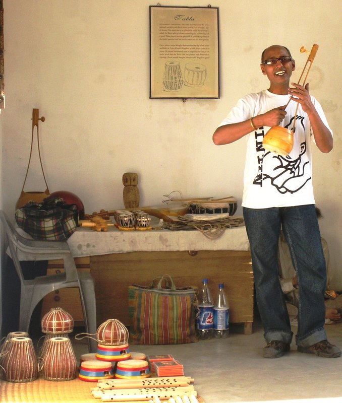 The singing seller of Indian musical instruments