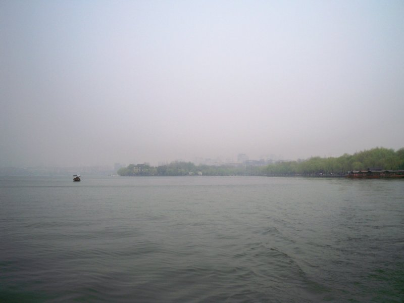 The boat trip on the West Lake