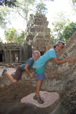 Angkor_Kids_on_Tree.jpg