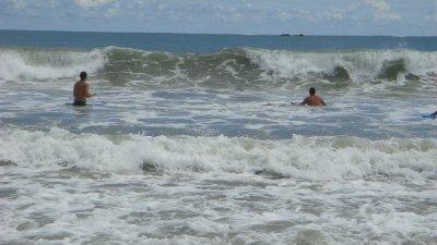 Big_waves_..ta_Rica.jpg