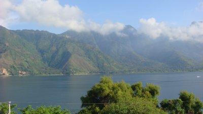 Lake_Atitl..atemala.jpg