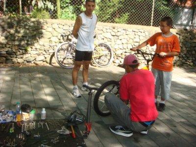 bicycle_re..he_road.jpg