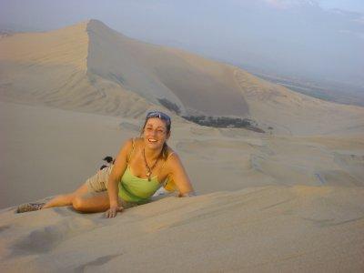 myself_lyi..he_dune.jpg