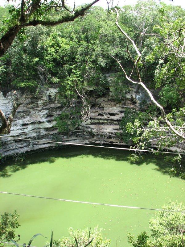 Chichen Itza, Cenotes