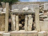 Tarxien_temple.jpg