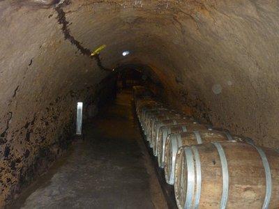 Wine_cave.jpg