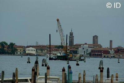 or huge cranes - Venice