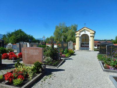 7683533-Walk_around_the_cemetery.jpg
