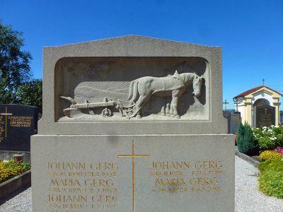 7683536-Walk_around_the_cemetery.jpg