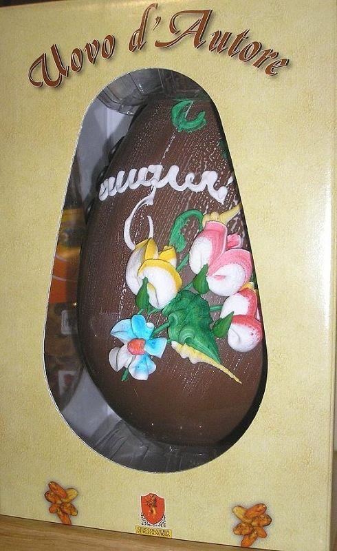 Buona pasqua, oh delicious chocolate egg :-) - Italy