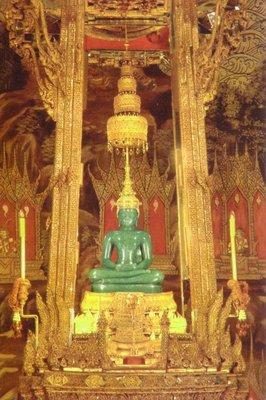 emeraldbuddha.jpg
