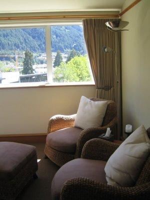 Room, Central Ridge