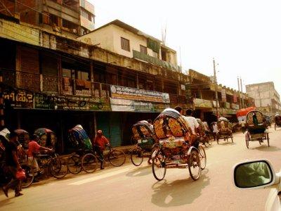 More_Dhaka_streets.jpg