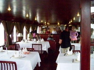 Pinta_dining_room.jpg