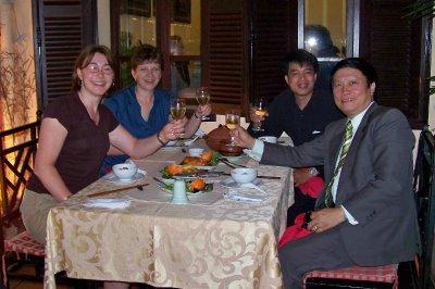 dinner_wit..s_Hanoi.jpg