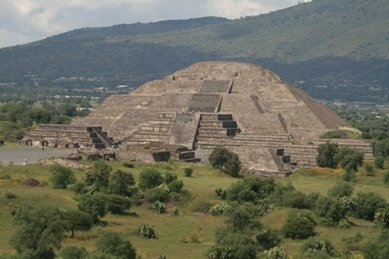 Pyramid_at..ihuacan.jpg