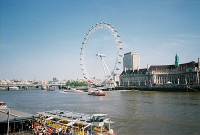 London Eye on the Thames River (Aquarium bldg behind)