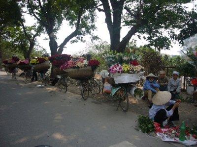 4080_Selling_Flowers.jpg