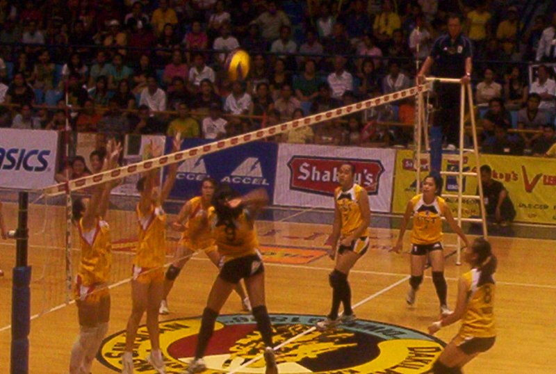 Michelle Carolino attacking from the outside hitter's area